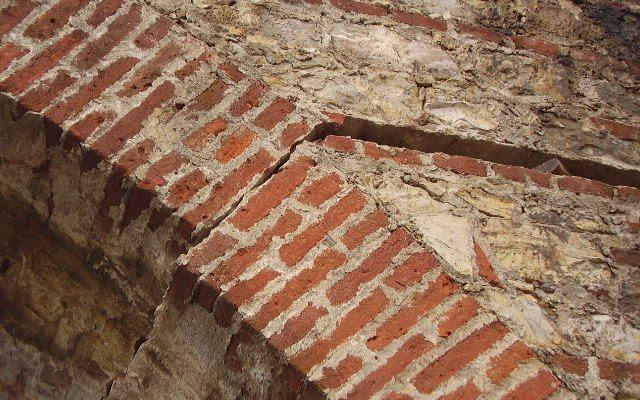 Reparar grietas en muros